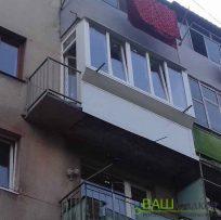 Двері на балконі Львів