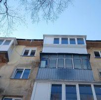 скління балкону у Львові компанією Ваш Балкон 17