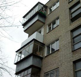 зварювання каркаса і обшивка балкона у Львові 8
