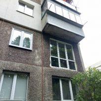 Панорамне скління в кімнаті замість балкона 6