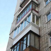 Заскління балкона з виступом у Львові 23